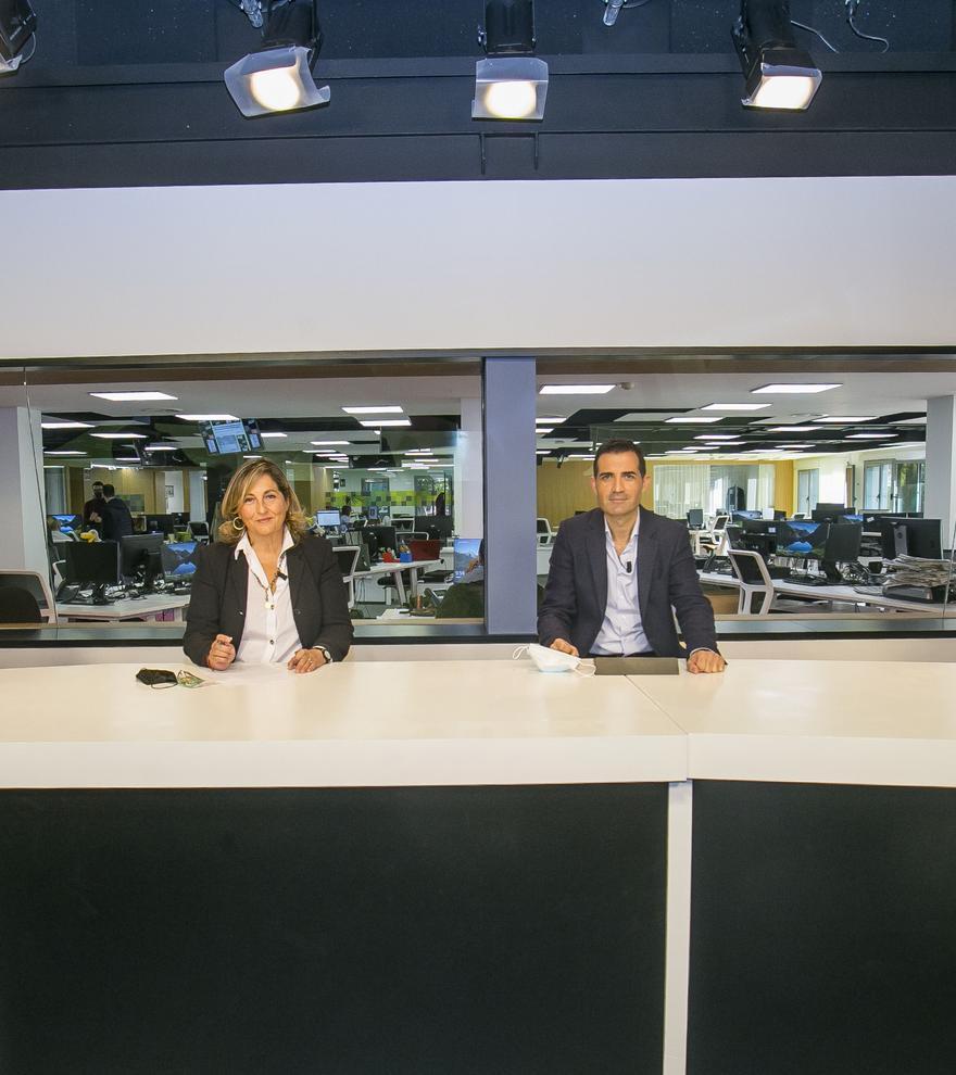 Los participantes del encuentro, en los estudios de INFORMACIÓN TV.