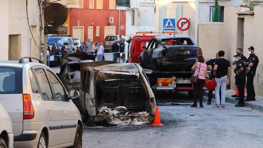 Ingresa en prisión un hombre que lanzó cócteles molotov a varios coches en Murcia