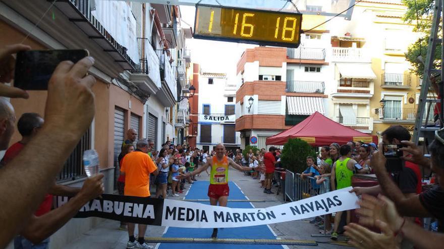 Cerca de 400 corredores disfrutaron en Navajas