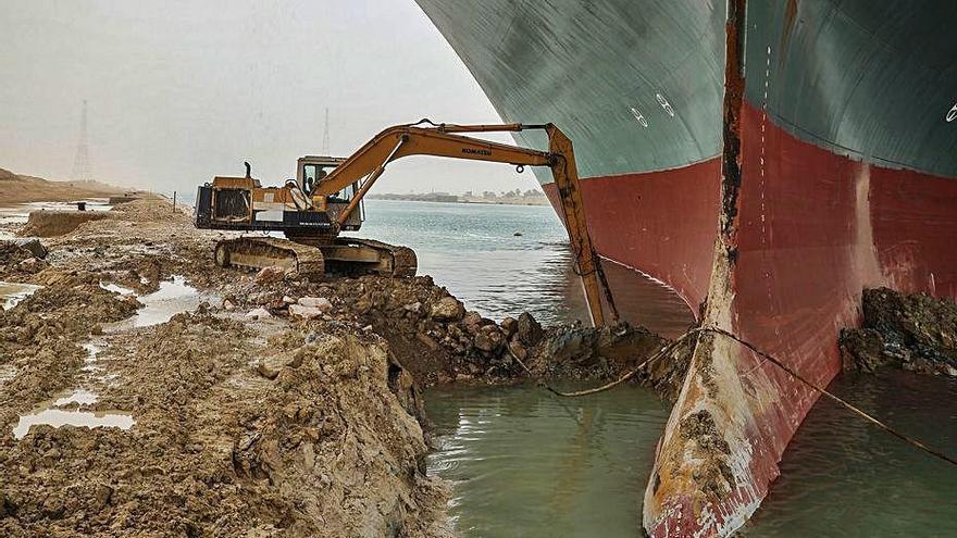 Alerta als ports espanyols pel bloqueig del canal de Suez