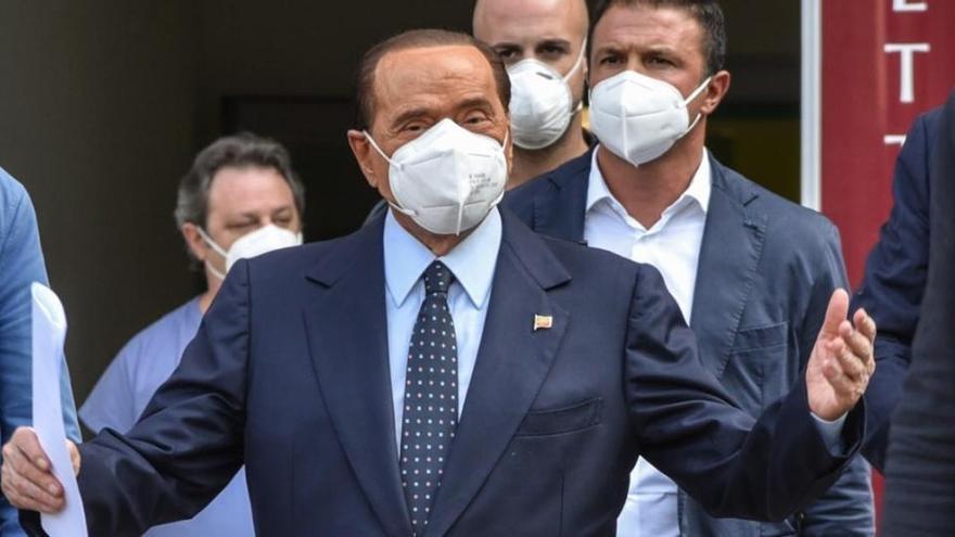 Berlusconi sufre una recaída tras superar el coronavirus