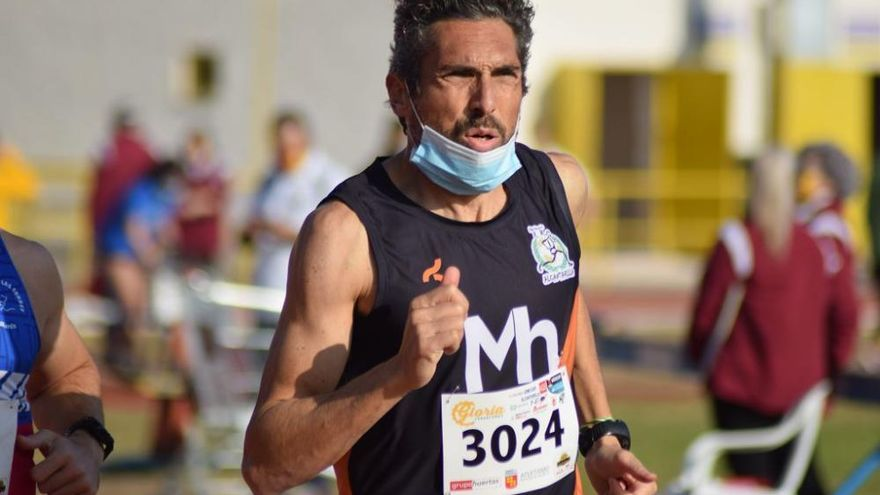 El atletismo despide el año en Cartagena con mascarilla