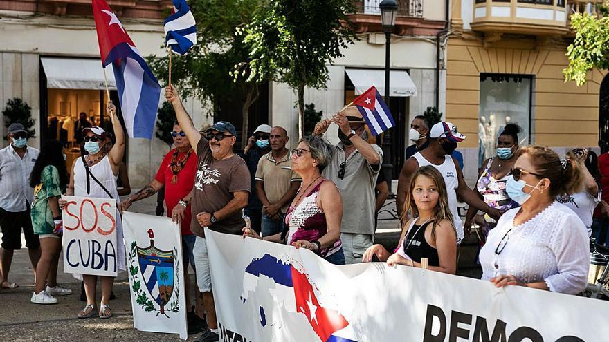 Los cubanos de Ibiza se concentran contra la represión en su país