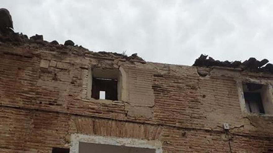 El Palacio de los duques de Villahermosa de Los Fayos sufre otro derrumbe
