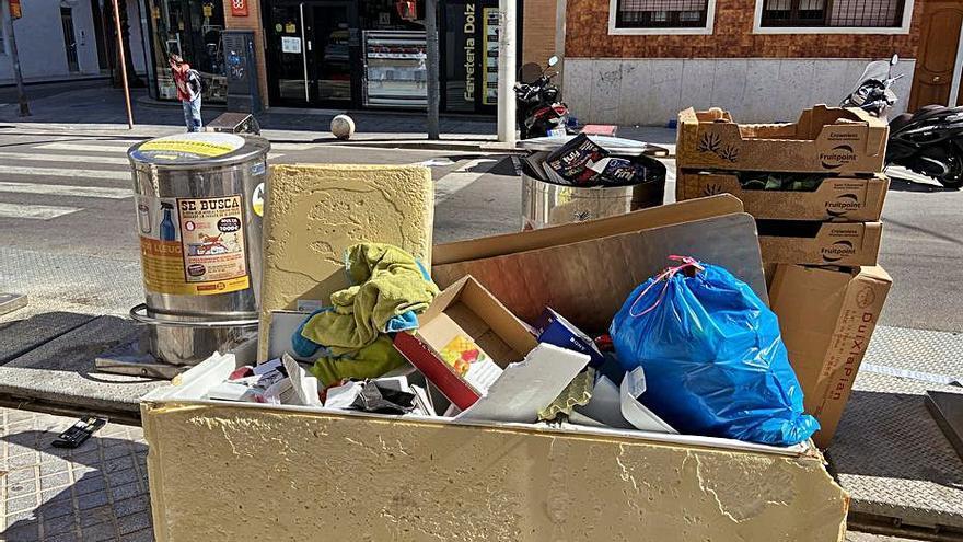 Campaña de Alboraia contra el vertido de trastos en la calle