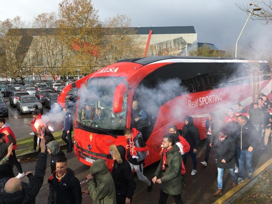 Derbi asturiano: La afición del Sporting madruga para alentar al equipo en El Molinón