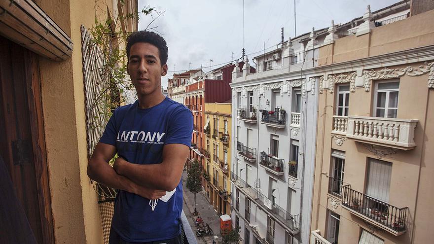 """""""Un militar marroquí nos dijo por dónde debíamos saltar la valla de Ceuta"""""""