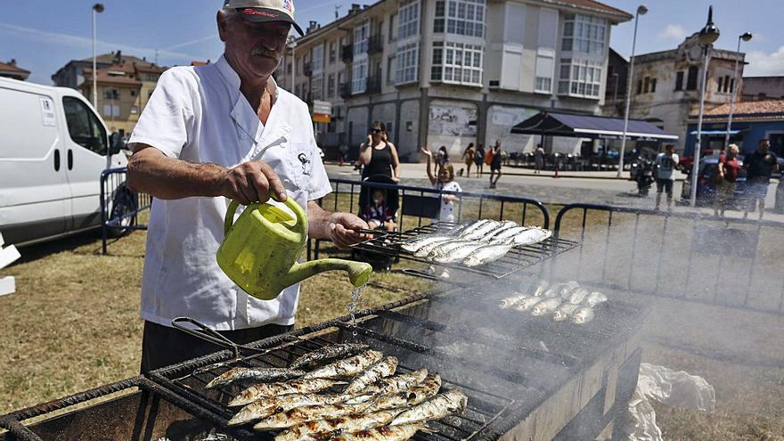 La sardina multiplica por cinco su valor en la rula por la proximidad de la fiesta de San Juan