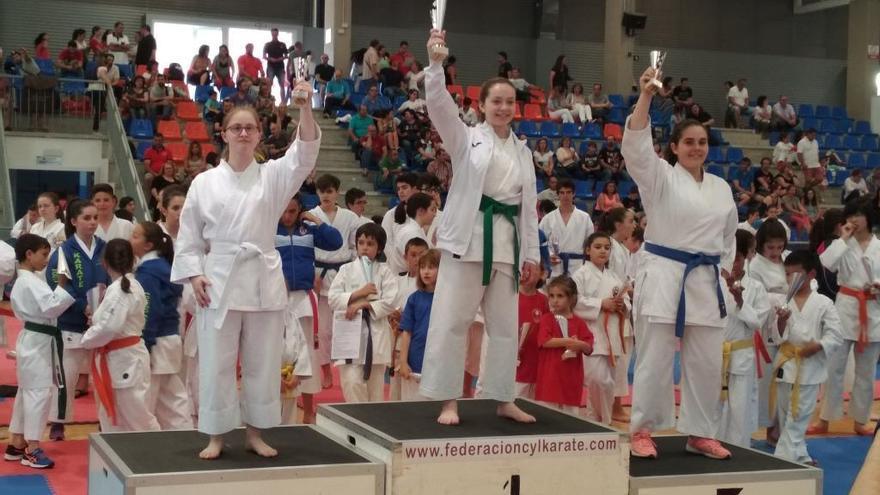 Leire del Campo consigue una plata en el Regional por Edades