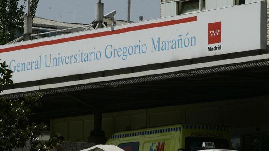 Los servicios del SAMUR trasladaron a la mujer y al recién nacido al Hospital Gregorio Marañón.
