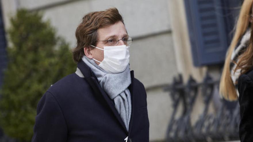 El alcalde de Madrid no cree reprochable la vacunación del JEMAD y cree que el Gobierno también debería hacerlo