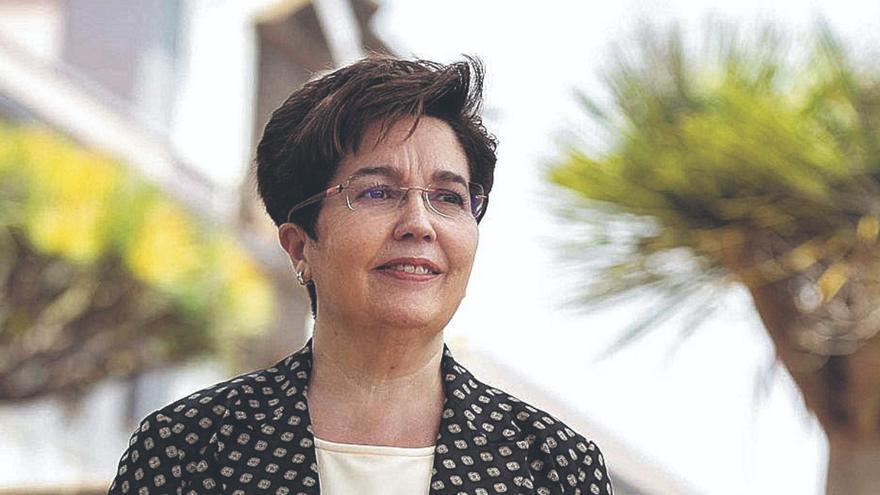 Dolores Corbella: «Canarias es pionera a la hora de  innovar modelos de diccionarios»