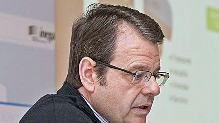 Feijóo releva al director xeral de energía y nombra nuevos responsables de los puertos