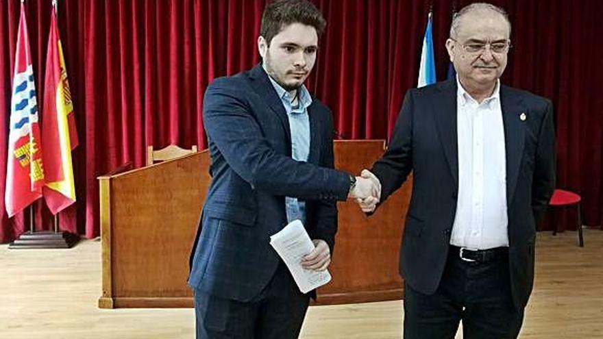 PP y PSOE desautorizan la moción promovida por sus partidos en Catoira