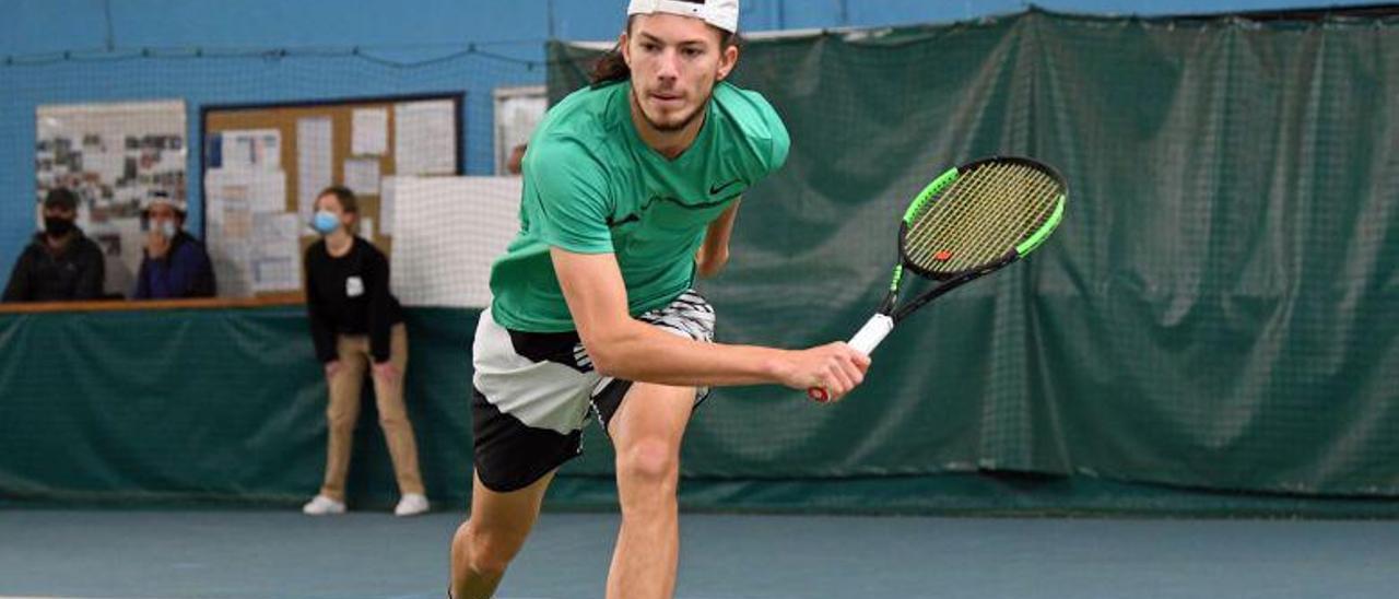 El tenista Alexis Gautier, en un partido de un torneo francés | STADE POITEVIN