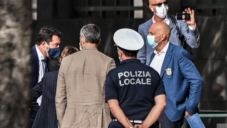 """Salvini comparece ante la justicia italiana acusado de """"secuestro de personas"""""""
