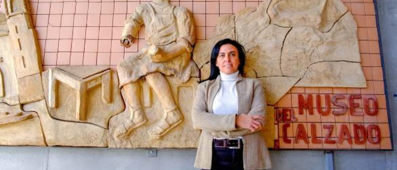 Loles Esteve: «El Museo del Calzado de Elda debe modernizarse»