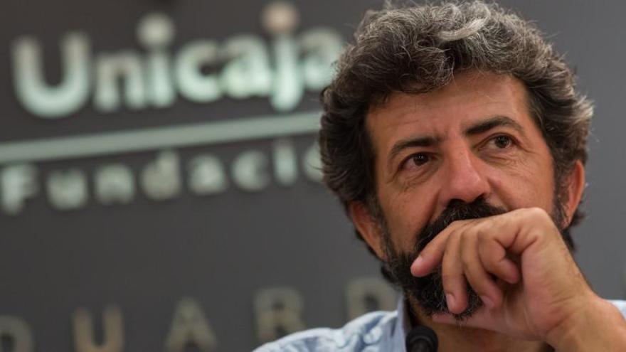 """Alberto Rodríguez: """"La segunda temporada de 'La peste' será """"más liviana"""""""