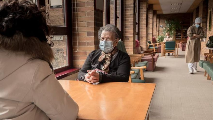 Coronavirus Galicia | Bajan a 83 los casos en usuarios de residencias en un día sin positivos