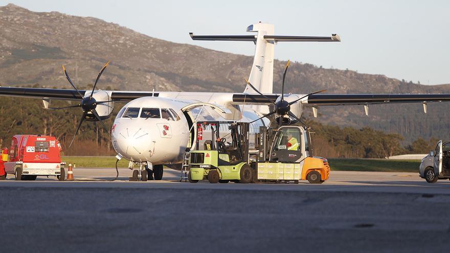 El avión de Macedonia que da la vida a PSA Vigo