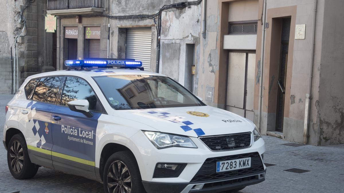 Un vehicle de la Policia Local de Manresa