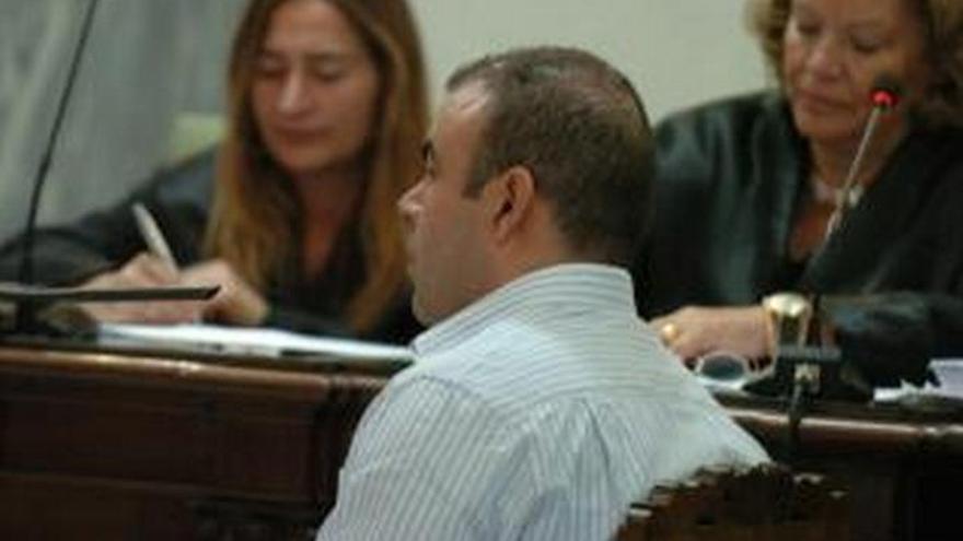 A juicio por maltratar a 16 podencos en Santa Brígida