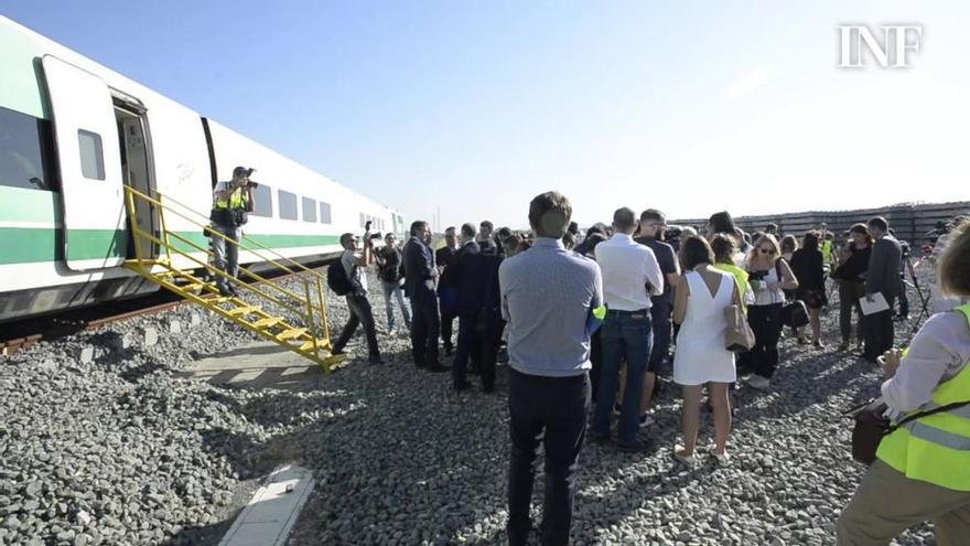 Fomento encarga el estudio para conectar con tren el aeropuerto de Alicante-Elche