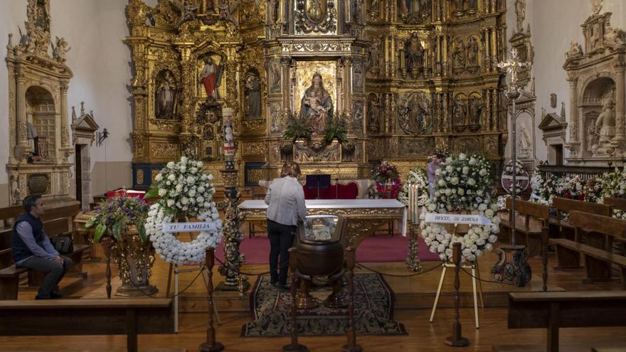 El pueblo vela a su pastor, el obispo de Zamora