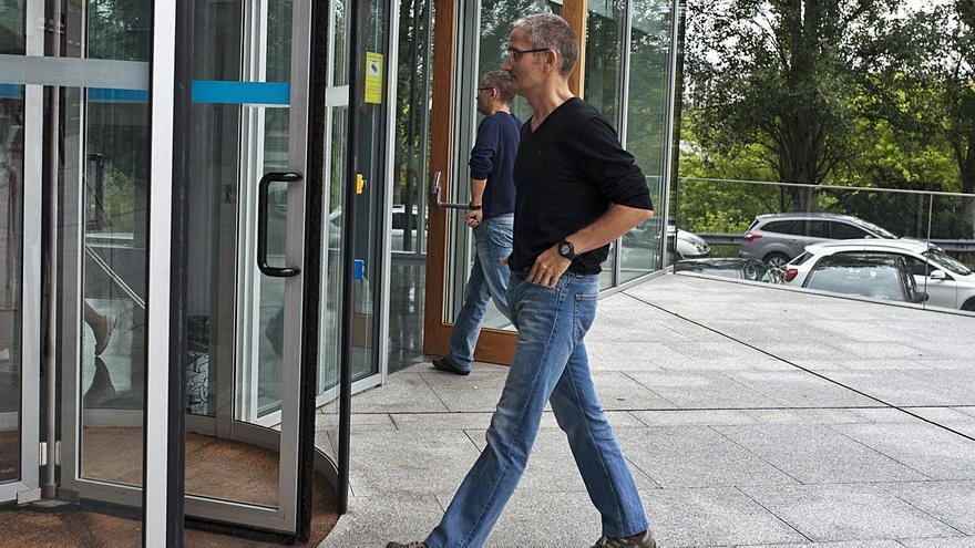 El primer análisis de los móviles de los gemelos no los ubica en la comisaría en varias fechas clave