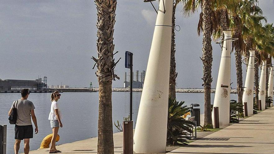 El Puerto de Alicante anula la concesión para la marina de los megayates de lujo