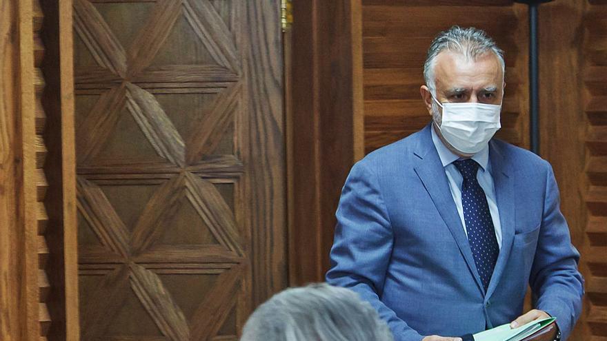 La gestión de las 'urgencias' de La Palma tensa a PSOE y NC en el Ejecutivo