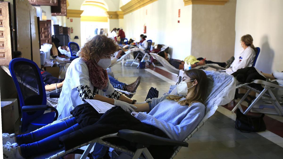La comunidad universitaria de la Católica se vuelca con la donación de sangre