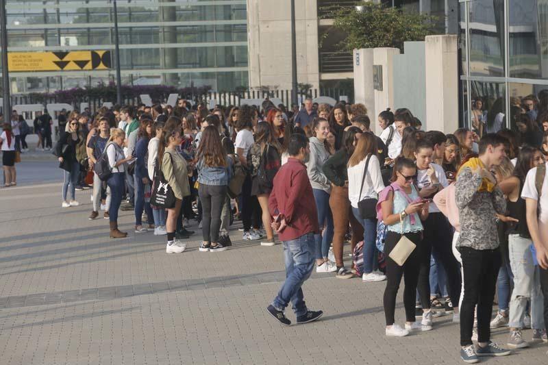 Decenas de alicantinos en el casting de OT en València