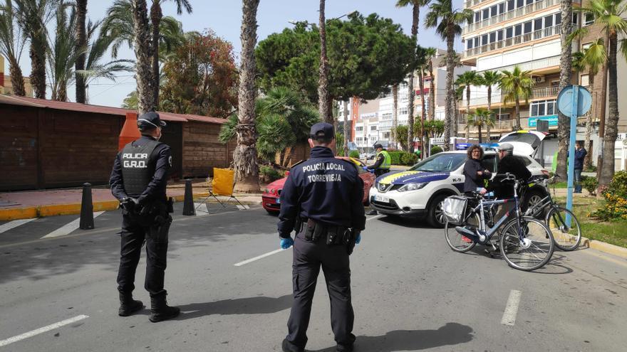 Torrevieja no logra cubrir ni una plaza de Policía Local de las 19 que ha ofertado este año
