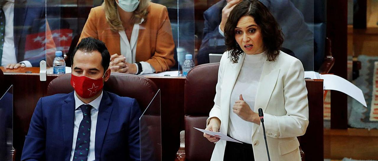 La presidenta de la Comunidad de Madrid, Isabel Díaz Ayuso, y el vicepresidente Aguado.
