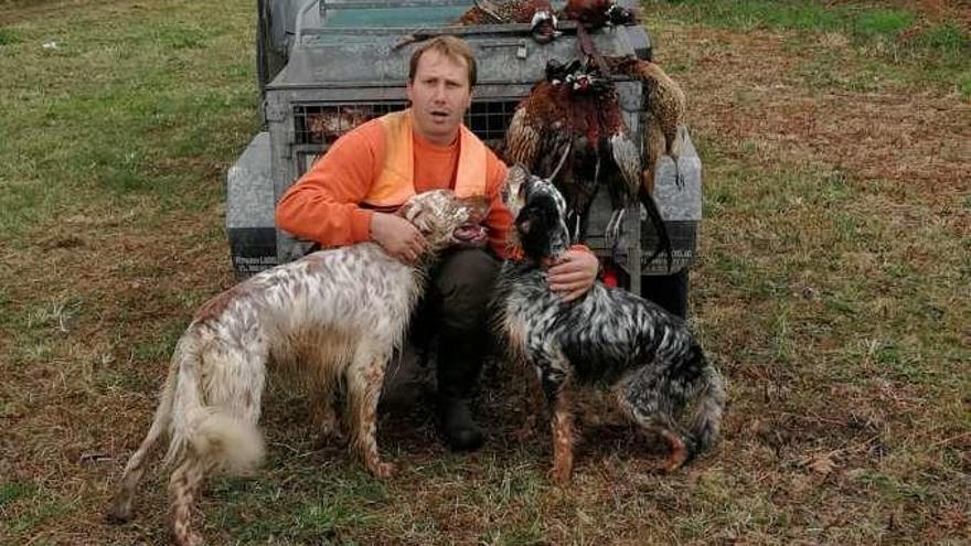 Adrián Fernández revalida su título regional de caza de arcea