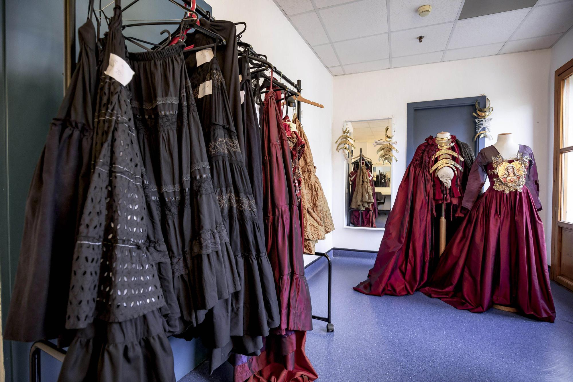 Un vestuario iconoclasta para  el regreso de la ópera al Principal