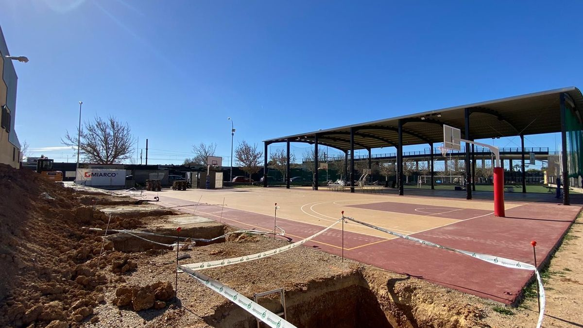 Obras para la cubierta de la pista de baloncesto donde juega el Petraher