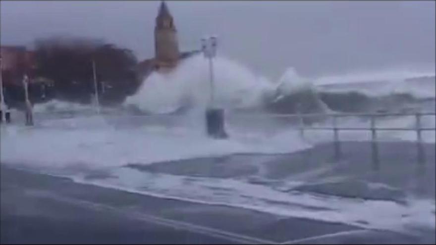Vídeos del temporal de 2014 confunden a los asturianos