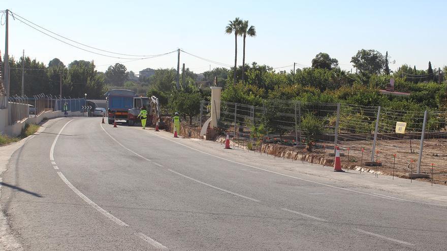 Novelda retoma las obras del carril ciclopeatonal de la carretera del castillo