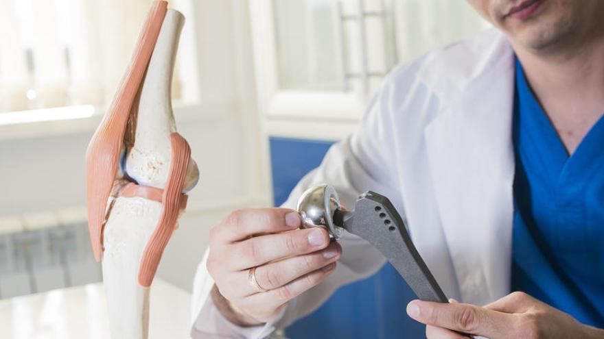 Investigada Johnson&Johnson por prótesis de caderas defectuosas