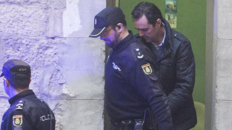 El yerno de la viuda del expresidente de la CAM ensayó el crimen días antes