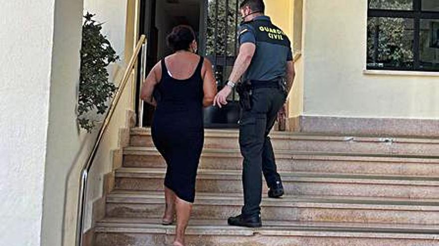 Una empleada de una residencia de Calp sustrae 10.000 euros a una anciana