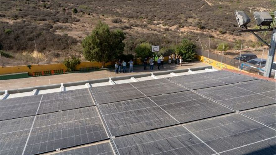 Cartagena estudia instalar placas fotovoltaicas en los locales sociales