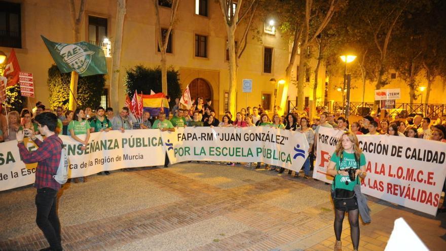 IU-Verdes apoya la movilización estudiantil del 24N contra las reválidas