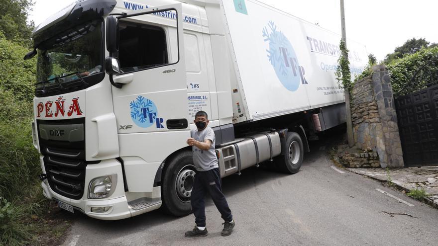 La carretera de Cenero donde han quedado atrapados cuatros camioneros en un mes por culpa del GPS