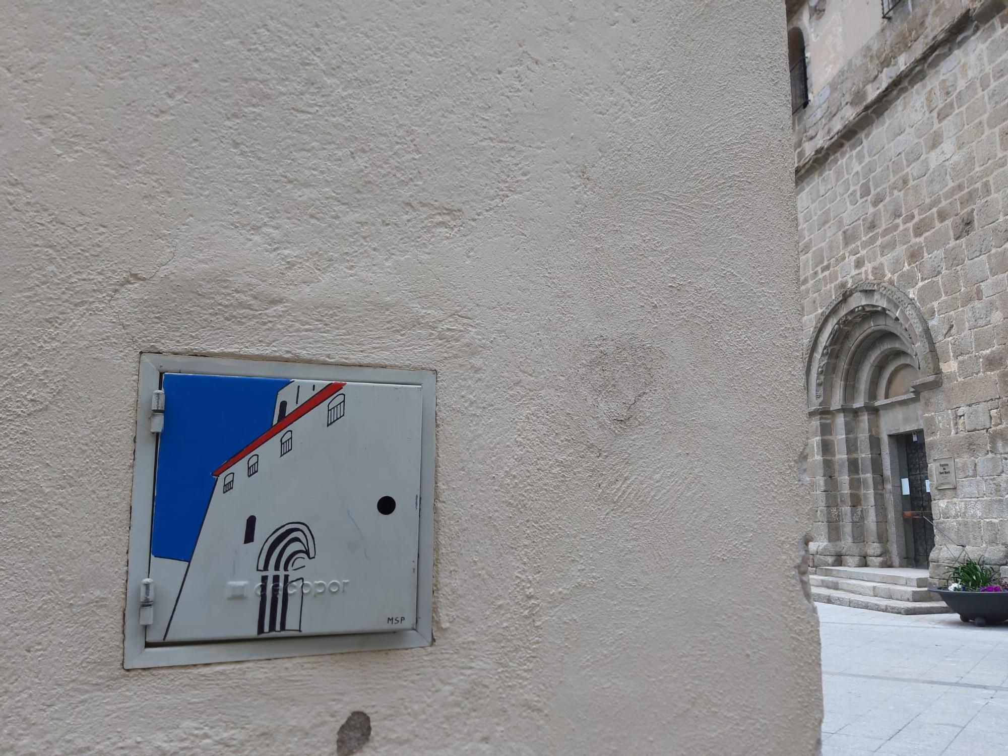 L'art a les caixes de registre  de l'aigua, un fenomen de moda a Maçanet de Cabrenys