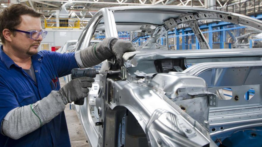 Ford hará 3 turnos extraordinarios de producción por un aumento de la demanda