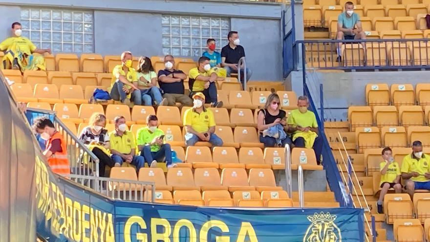 El himno del Villarreal vuelve a ser coreado en La Cerámica por 5.000 'groguets'