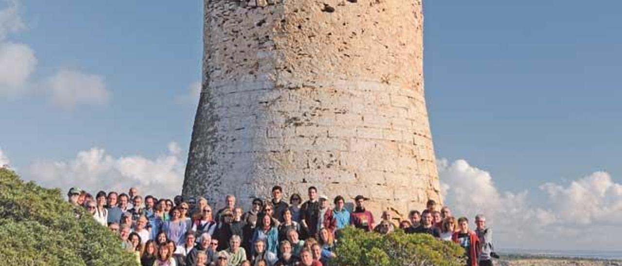 El pasado sábado probaron en la Torre de Cap Blanc cómo se deben emplear los elementos de fuego y humo.
